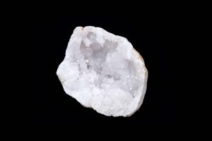 Druzy Quartz: The Ultimate Guide to Meaning, Properties, Uses