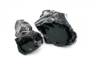 Black Obsidian: The Ultimate Guide to Meaning, Properties, Uses